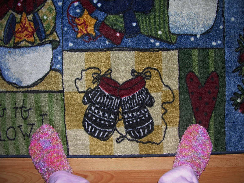 6. Mittens or Gloves {7 points}