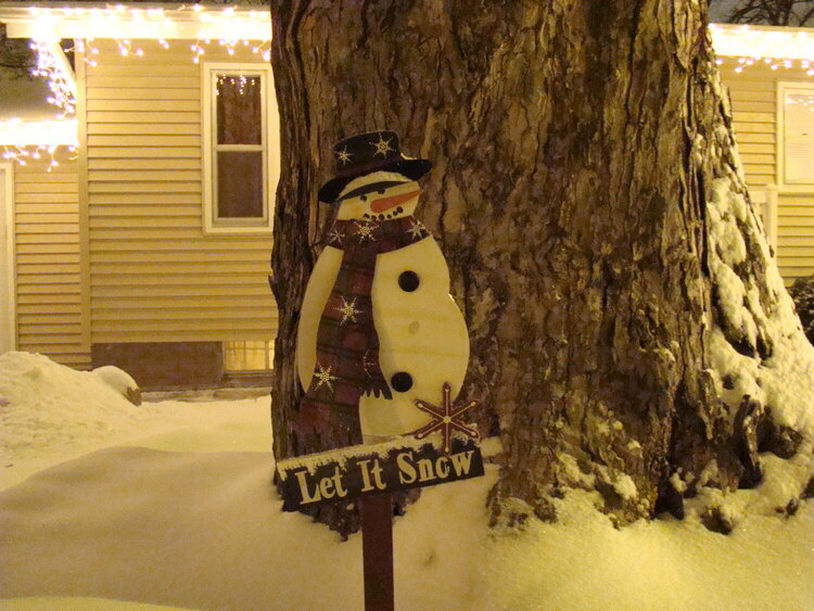 2. A Snowman {5 pts}