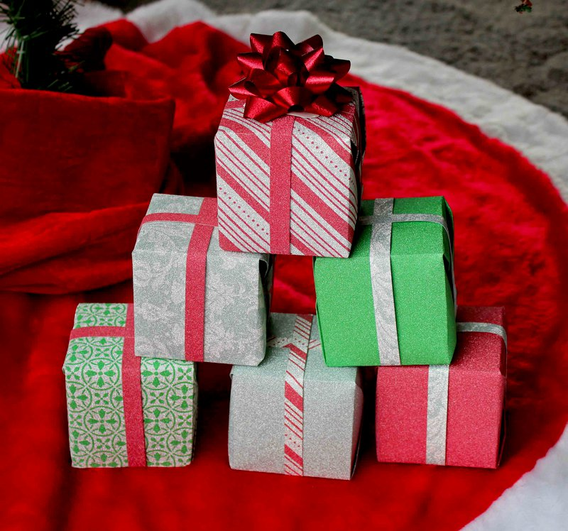 Gift Boxes *DCWV*