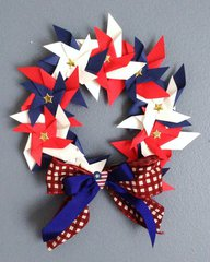 PINWHEEL 4TH OF JULY WREATH