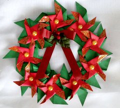 PINWHEEL CHRISTMAS WREATH