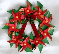 PINWHEEL CHRISTMAS WREATH