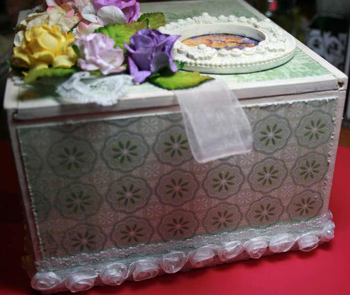 cigar box for Martica's cigar box/mini swap SPRING