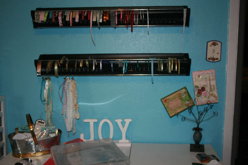 craftroom in transition - new ribbon pin it up