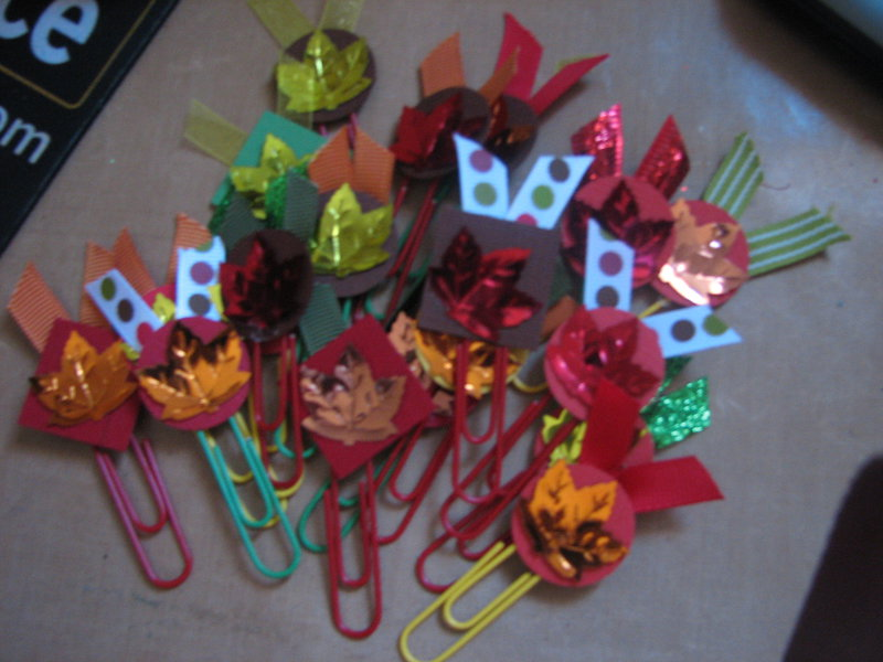 summer/fall embellishments - fall altered paper clips