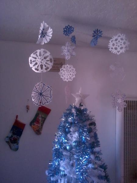 Paper snowflakes chain