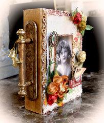 Joy Of Christmas Nook Book Box *Scraps Of Elegance* December Kit~Mistletoe Memories