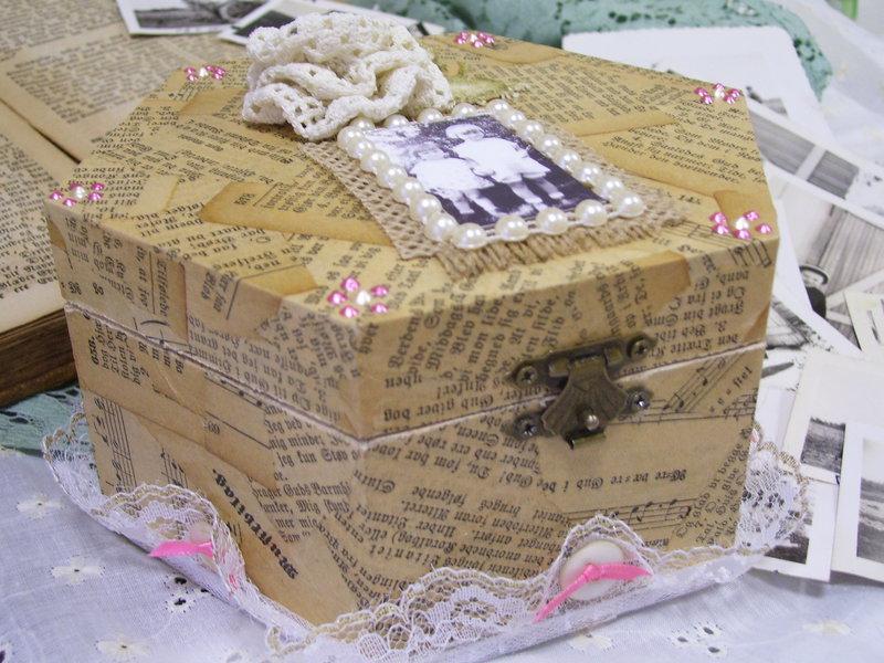 Vintage Tricket Box