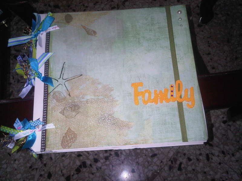 Scrapbook almbum for the family