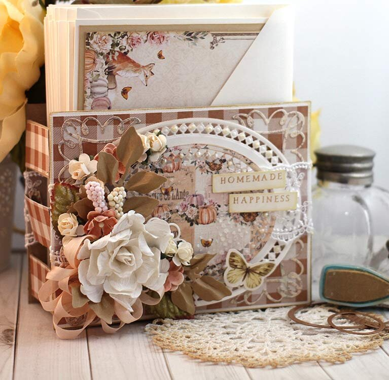 Fall Card Caddy with matching cards by Teresa Horner