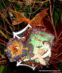 Gecko Galz Halloween Ornament