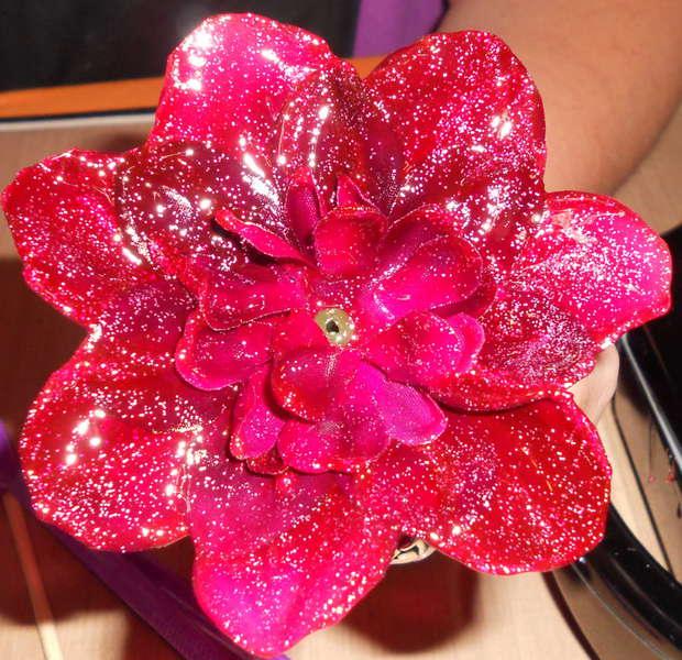 Faux Glass Flower w/ glitter