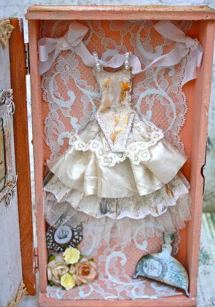 FabScraps Marie Antoinette Dresser - Inside