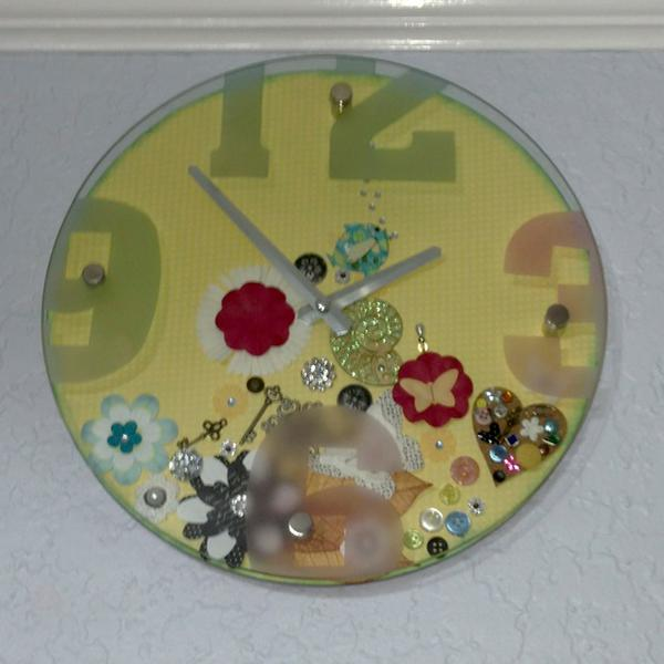 floating clock