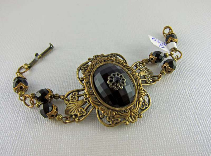 Vintage Inspired Faceted Onyx Cabochon and Antiqued Brass Bracelet