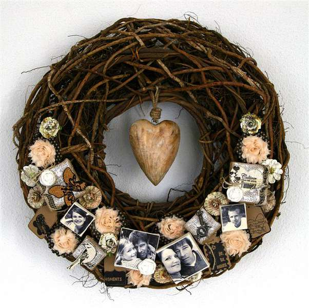 Canvas Family Wreath by Birgit Koopsen