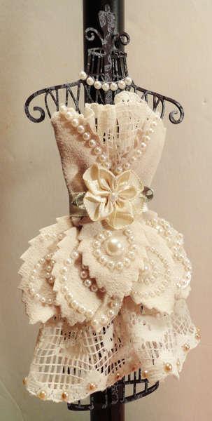 Want2scrap Altered Dress Form
