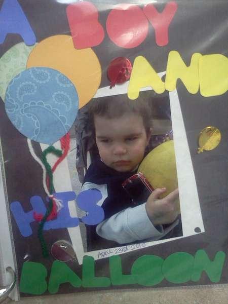 A boy,a balloon
