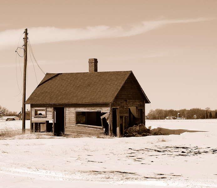 abandoned house--hwy 90