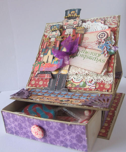 G45 Nutcracker Easel card/gift box