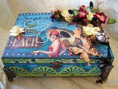 Retro Hawaiian Jewel Box