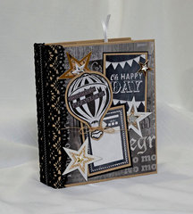 Karen Foster designs graduation mini album