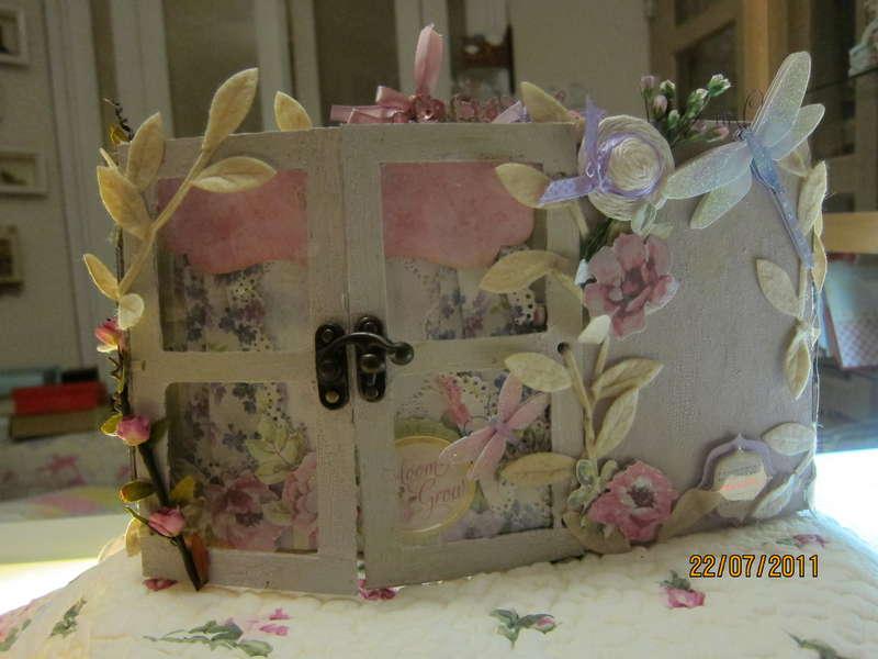 Watercolor Bouquet Gatefold Paper Bag Album