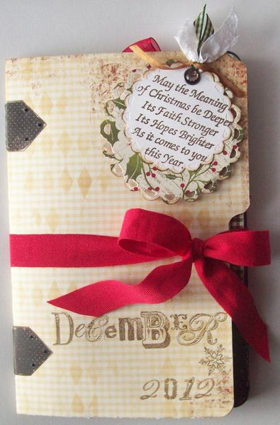 "File Folder Style (inspired by Scrap Smart!)  Christmas Album  aprox 10""X6"""