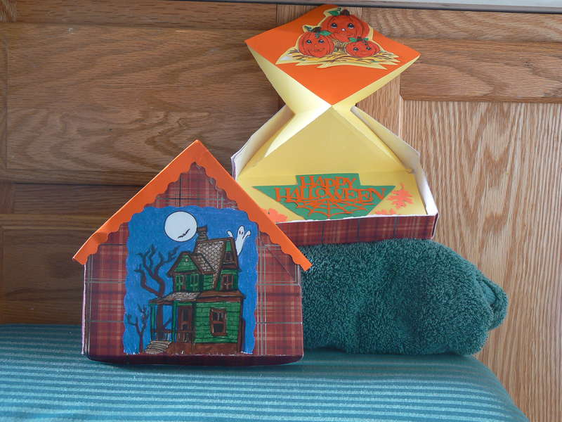pop-up Halloween house
