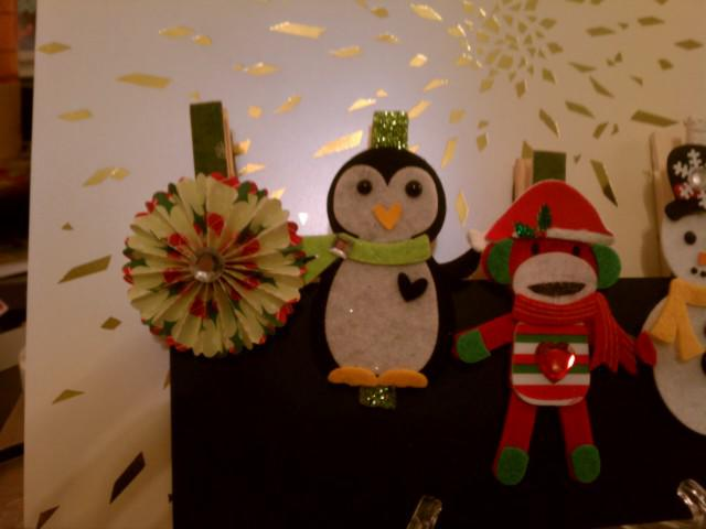 Cristmas clothespin magnets