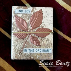 Find Joy Tiny Scrapbook Journal with Eileen Hull Tiny Book Sizzix Die