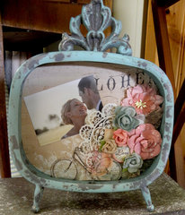 Prima Vintage Wedding Frame