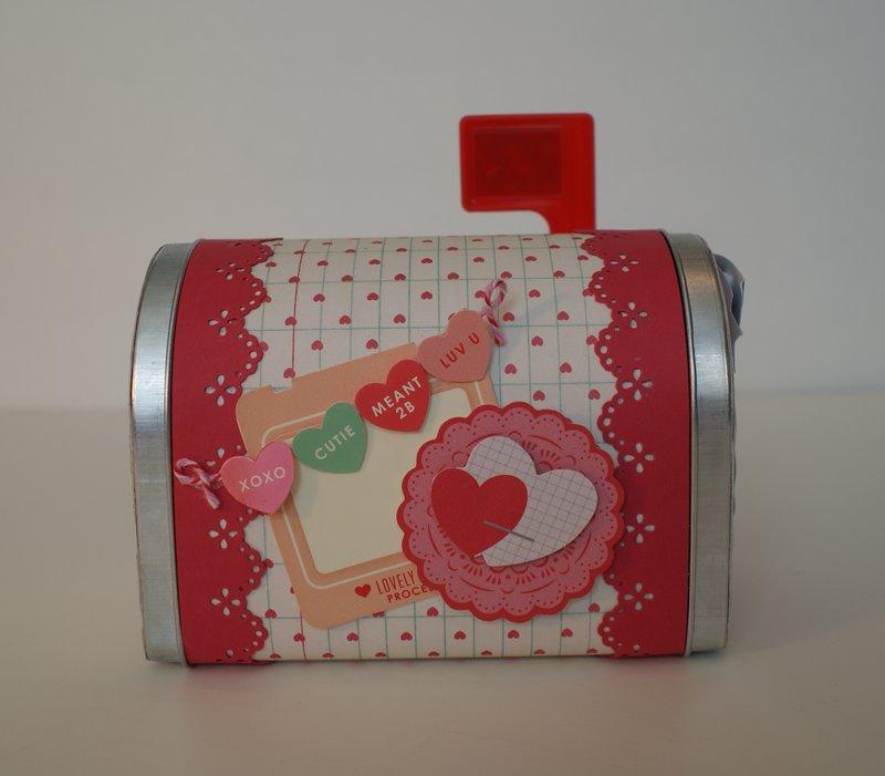 Valentine's Day Mini Mailbox Favors and Mini Cards