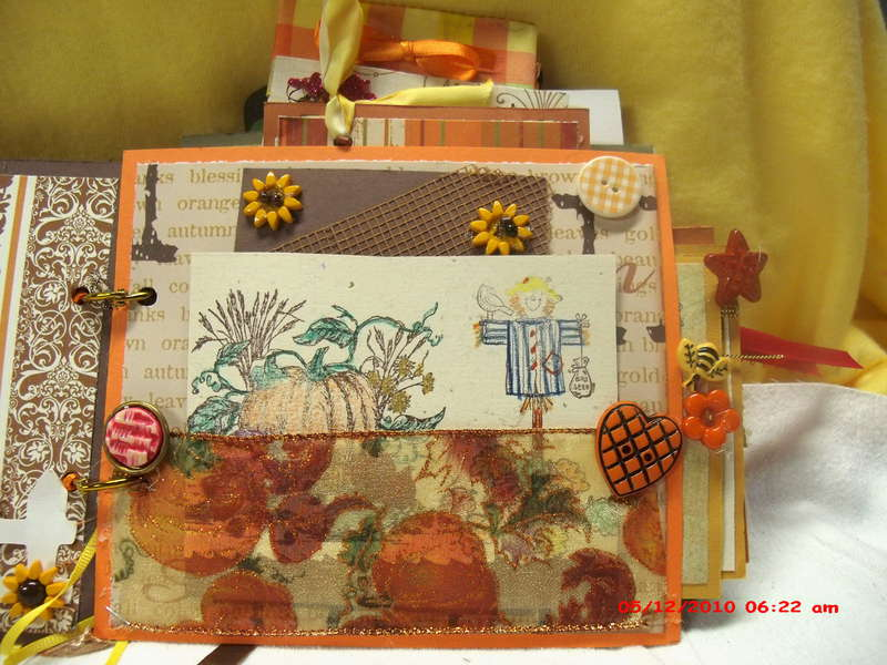 "Happy Fall Y""All mini scrapbook"