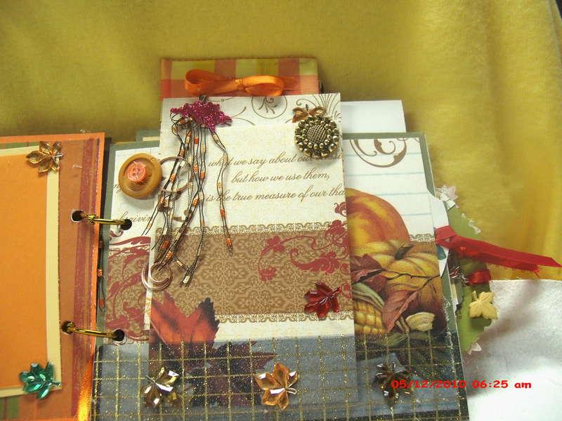 "Happy Fall Y""All mini Scrapbook"