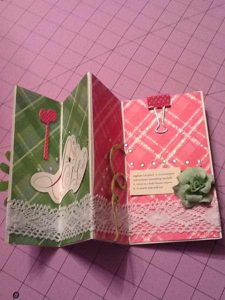 Form of a tri-fold card