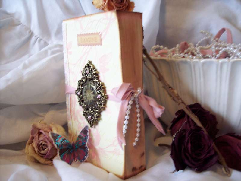 Victorian Chic**Altered Book