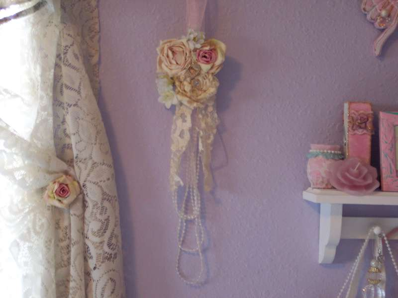Shabby Chic**Roses & Pearls Wall Decor