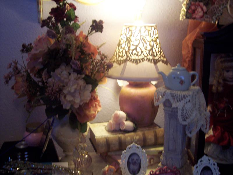 Shabby Victorian Chic**Altered Lamp