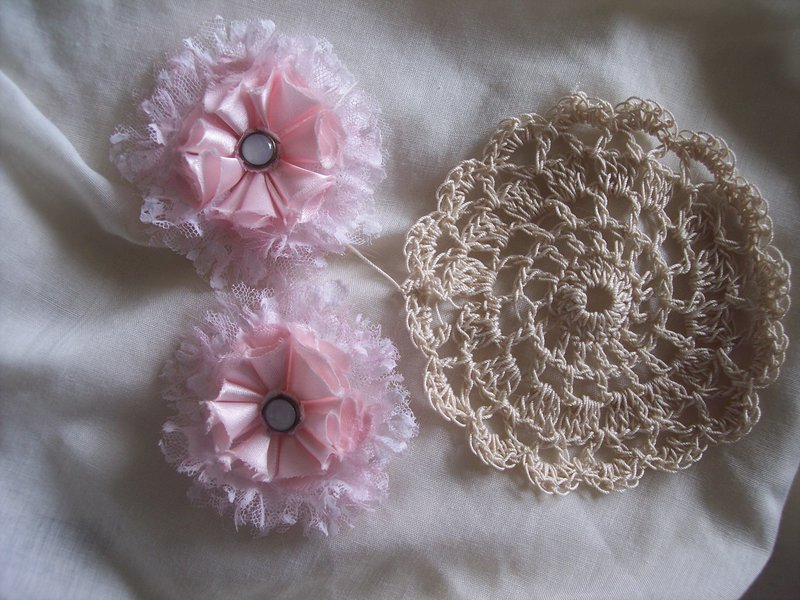 Shabby Chic**Handmade Flowers & Doily