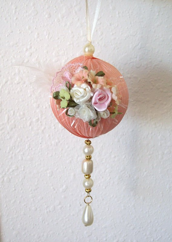 Shabby Chic**Elegant Ornament
