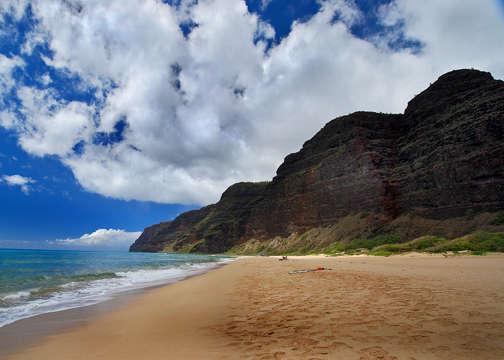 Polihale beach view of the Napali Coast in Kauai