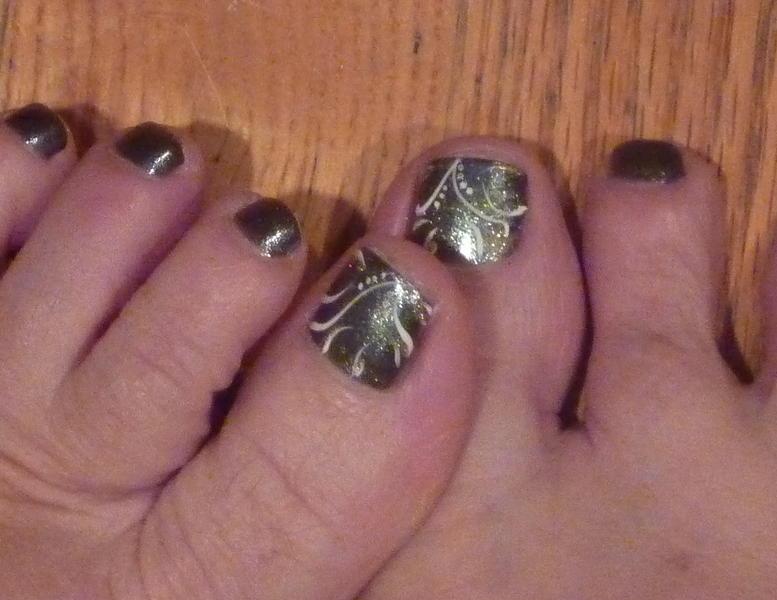 December Toes