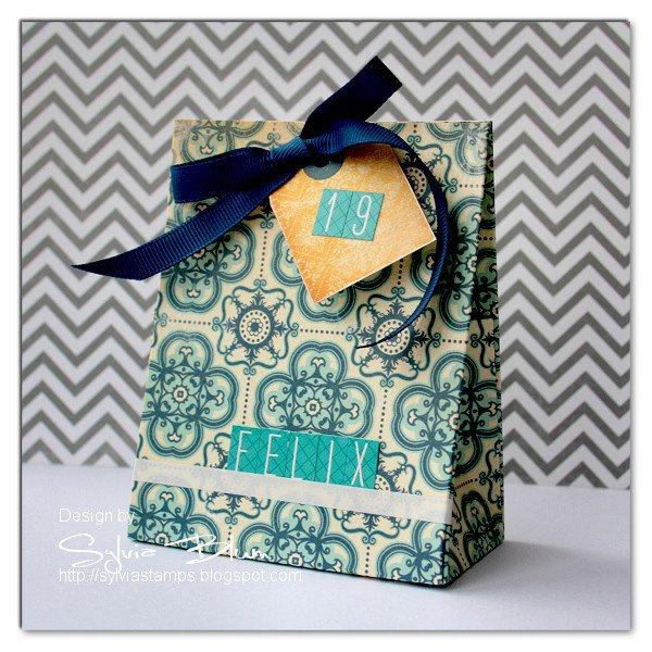gift box (money holder)