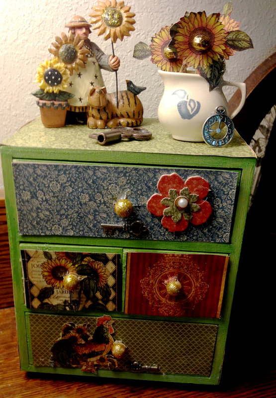 Graphic 45 French Country Mini Dresser