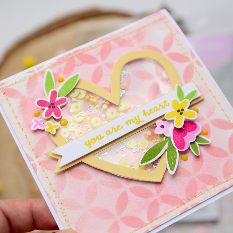 Heart shaker card in pink