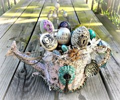 "Easter Egg Watering ""basket"" for PRima"