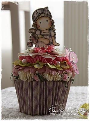 Magnolia cup cake