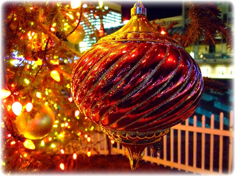 Nov 30 ~ Christmas Bauble, Anchorage Town Square