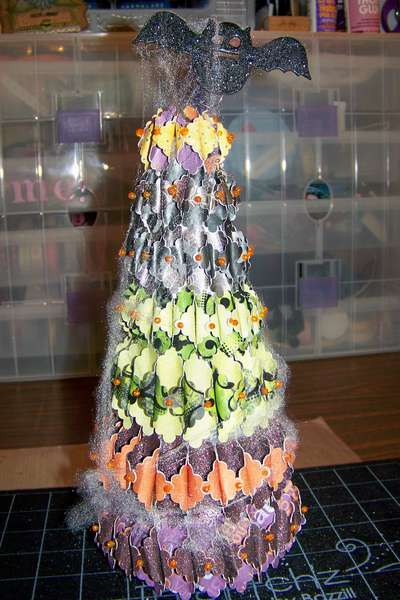 Batty Halloween Tree